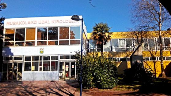 Servicio municipal de deportes de Arrasate, en el polideportivo Musakola